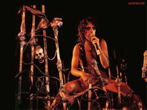alice cooper on stage